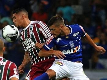 Cruzeiro e Fluminense fizeram um jogo recheado de gols no Mineirão