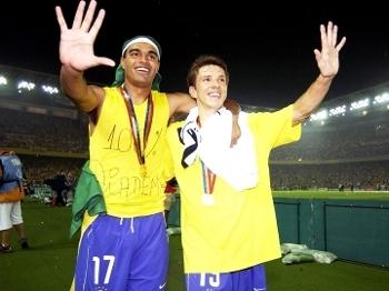 Denilson Juninho Paulista Comemoram Penta Seleção Brasileira Copa-2002 30/06/2002