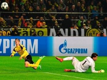 Pulisic encobriu Ederson para fazer o 2º do Dortmund