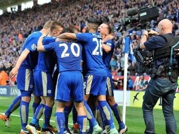 Leicester ampliou a vantagem na ponta