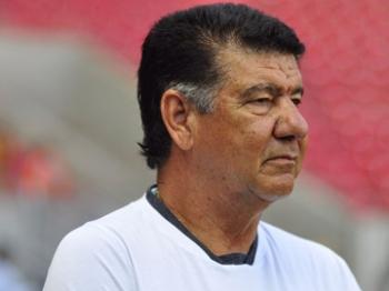 Joel Santana foi vice com o Vitória, em 2002