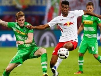 Bernardo foi titular em sete jogos na Bundesliga e sofreu uma lesão