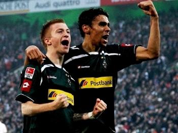 Igor de Camargo Marco Reus Comemoram Gol Borussia Monchengladbach Mainz Campeonato Alemao 20/11/2010