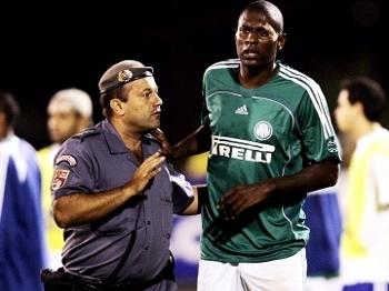 Ex-Palmeiras relembra briga épica na Libertadores   Dei um pontapé ... 11ee87e98b439