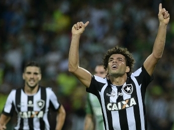 Camilo marcou gol para o Botafogo contra o Nacional, na Libertadores