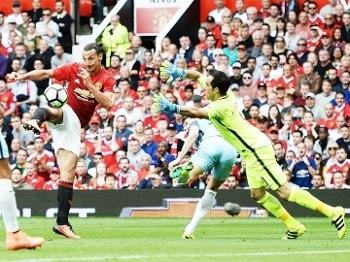 Ibrahimovic Manchester United Bravo Manchester City Campeonato Ingles 10/09/2016