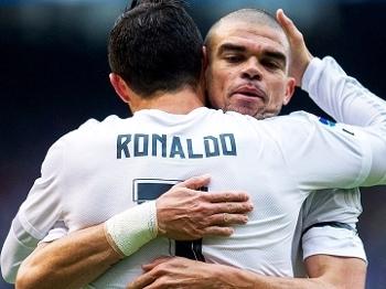 Cristiano Ronaldo Pepe Comemoram Gol Real Madrid La Coruna Campeonato Espanhol 14/05/2016