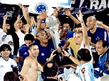 Luxa comandou o Cruzeiro em 2003