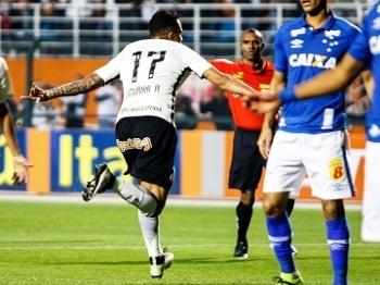 Giovanni Augusto Comemora Gol Corinthians Cruzeiro Campeonato Brasileiro 08/08/2016