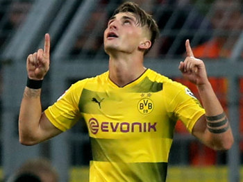 Philipp fez dois gols neste sábado