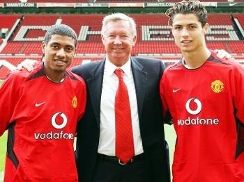 Cristiano Ronaldo Kleberson Alex Ferguson Apresentação Manchester United 13/08/2003