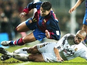 6ffe118e86 Ricardo Quaresma Barcelona Robero Carlos Real Madrid Campeonato Espanhol  06 12 2003