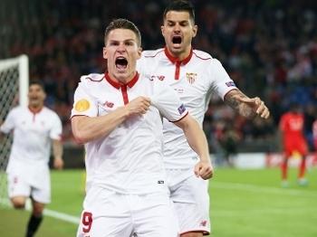 Gameiro Comemora Gol Sevilla Liverpool Final Liga Europa 18/05/2016
