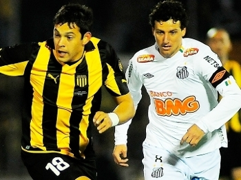 Matias Mier Penarol Elano Santos Final Libertadores 15/06/2011