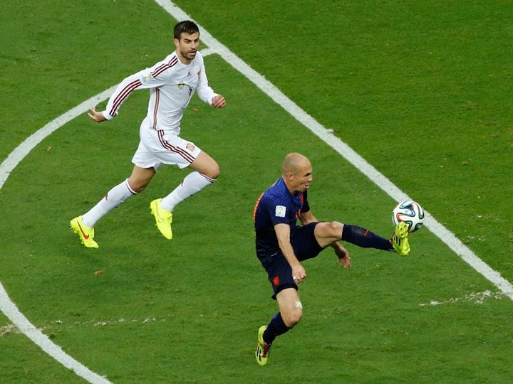 Robben fez grande domínio na jogada que resultou no gol de virada da Holanda