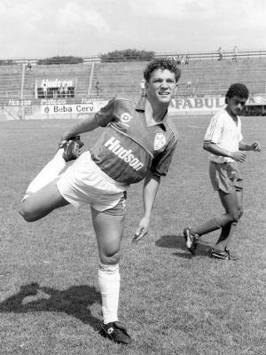 Sinval em jogo da Portuguesa contra o Bahia pela Copinha