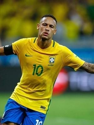 Neymar comemora ao marcar 2 a 0 para o Brasil contra a Argentina no Mineirão