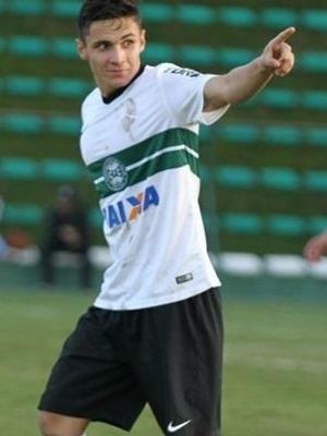 Raphael Veiga e um dos destaques do Coritiba