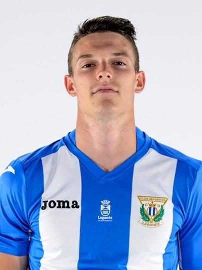 Cria do Villarreal, o lateral-esquerdo espanhol Adrián Gómez foi emprestado ao Leganes nesta temporada e tem atuado com frequência