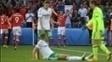 Bale fez o cruzamento, e o zagueiro McAuley marcou contra