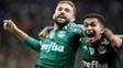 Allione comemora gol ao lado de Dudu durante a última temporada