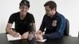 Rodriguinho assina renovação de contrato com o Corinthians