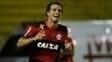 Damião comemora um dos três gols marcados pelo Flamengo contra a Portuguesa-RJ
