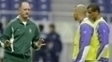 Felipão, em treino da seleção brasileira com Ronaldo e Rivaldo na Copa do Mundo de 2002