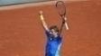 Stan Wawrinka comemora a vitória sobre Gael Monfils pelas oitavas de final de Roland Garros, nesta segunda-feira