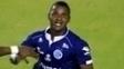 Everton Santos comemora o gol da vitória do Confiança-SE