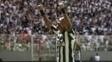 Robinho celebra seu gol pelo Atlético-MG contra a Ponte Preta