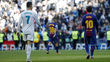 Cristiano Ronaldo, do Real Madrid, e Messi, do Barcelona, durante jogo por LaLiga
