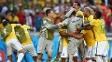 Júlio César é 'engolido' pelos companheiros: ele foi o herói da classificação brasileira