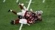 Em um dos lances mais sensacionais da história do Super Bowl, Julian Edelman (11), dos Patriots, consegue recepção absurda