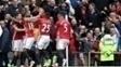 Jogadores do Manchester United comemoram durante vitória sobre o Chelsea