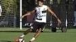 Lucas Veríssimo em treino do Santos