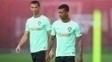 Cristiano Ronaldo e Nani, durante treino da seleção portuguesa