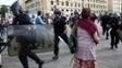 Policais nas ruas de Marselha: torcedores ingleses causaram conflito