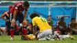 James Rodríguez também se aproximou de Neymar