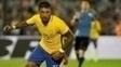 Paulinho fez três gols na vitória sobre o Uruguai