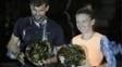 Dimitrov e Halep com os troféus do Tie Break Tens