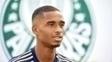 Matheus Sales ficará no Palmeiras até 2020