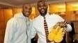 LeBron recebe tênis autografado de Kobe após jogo entre Lakers e Cavaliers