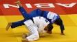 Brasileiro Victor Penalber, em sua estreia no Mundial de judô, contra o armênio Rafael Davtyan