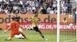 Aubameyang marcou o gol de empate do Dortmund contra o Augsburg