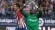 Gameiro comemora um de seus gols sobre o Málaga