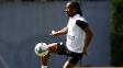 Arouca durante treino do Santos no CT Rei Pelé