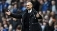 Guardiola durante jogo do Manchester City ocntra o Liverpool