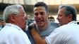 Julio Cesar chora com membros da comissão técnica após a classificação