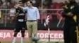 Rogério Ceni conversa com Renan Ribeiro durante jogo contra o Ituano
